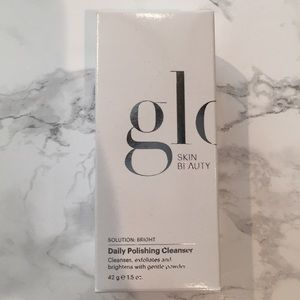 [NEW] Glo Skin Beauty: Daily Polishing Cleanser